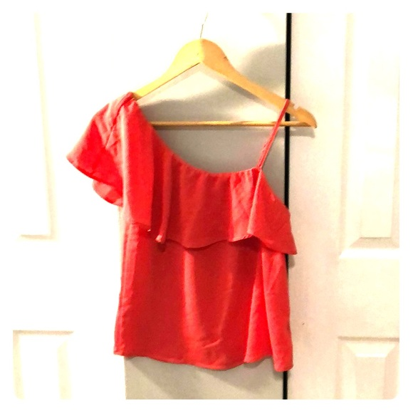 Lily White Tops - Asymmetrical ruffle shoulder top